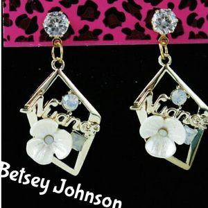 Betsey Johnson Beautiful Flower Crystal Earrings